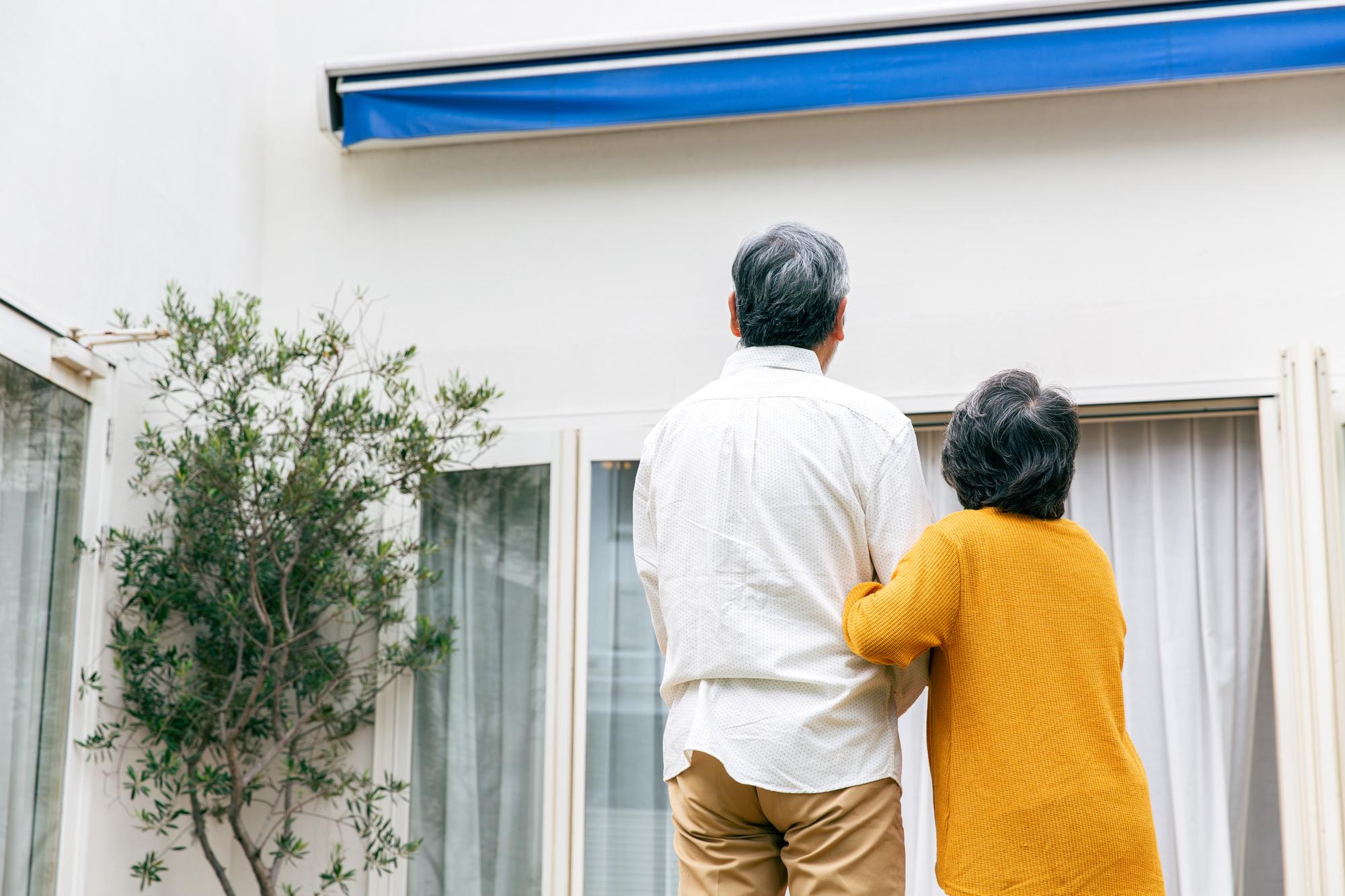 家を相続するにはまず何をすれば良い?手続き方法や税金についても解説