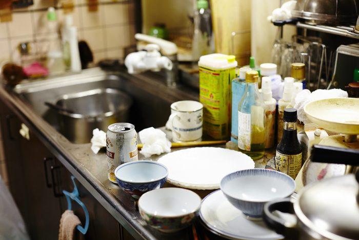 ゴミ屋敷のお掃除・台所編!汚れ別掃除のコツを知ってゴミ屋敷から脱却しよう