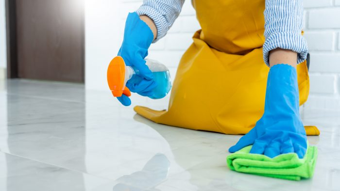 どうしても落ちない黒ずみは清掃業者に依頼しよう